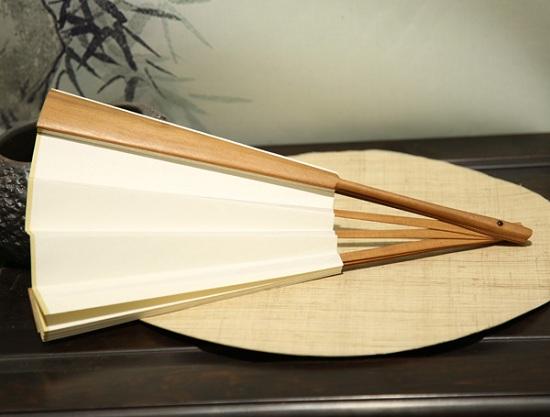 印度老山檀香木扇子鉴别方法