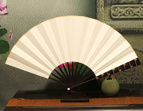 扇子:古典美与现代美的结合