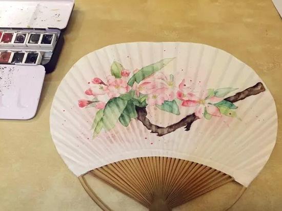 花卉图案团扇手绘教程
