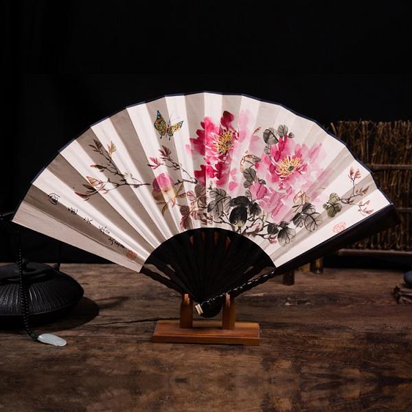 檀木手绘折扇牡丹图